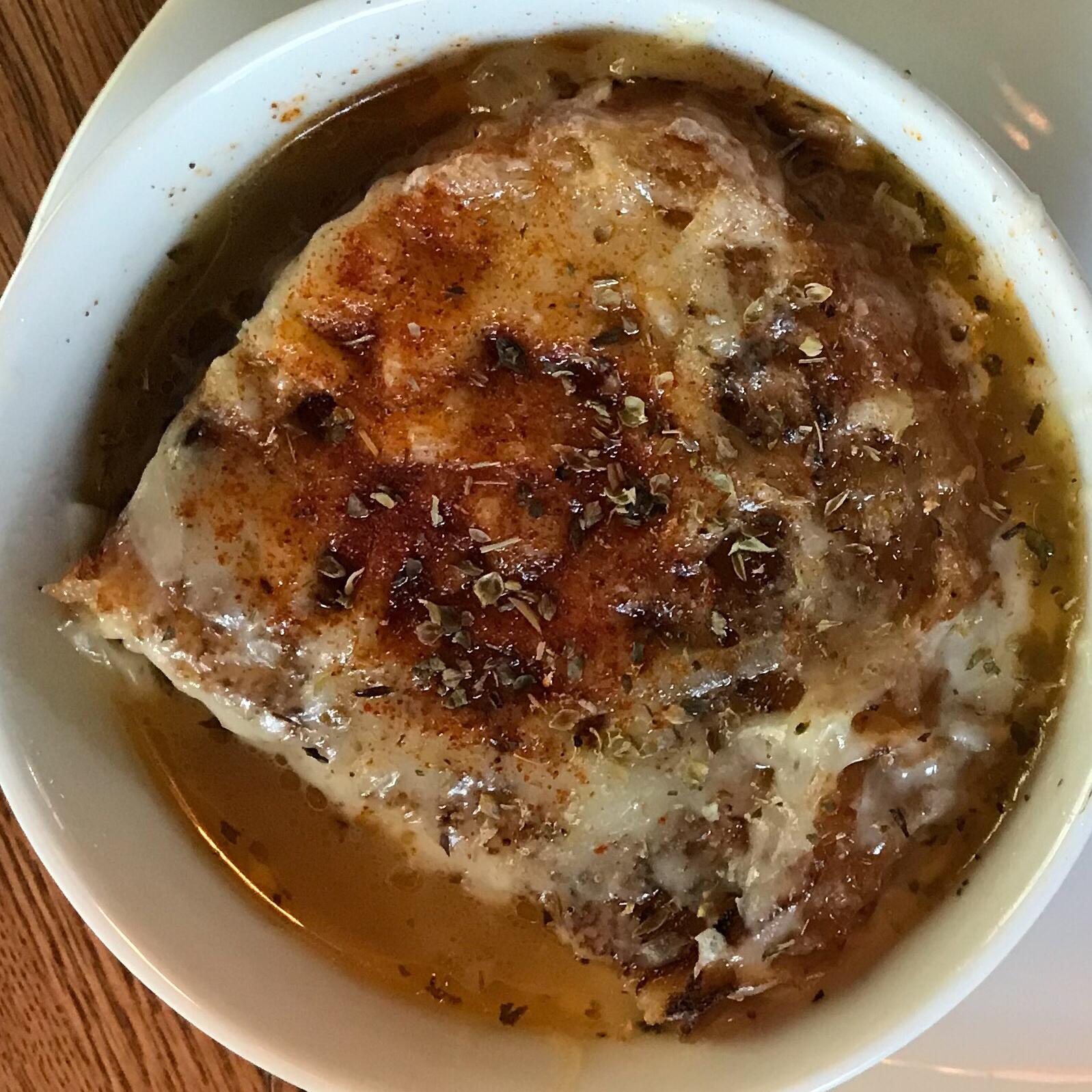 Old-Fashioned Onion Soup Trisha