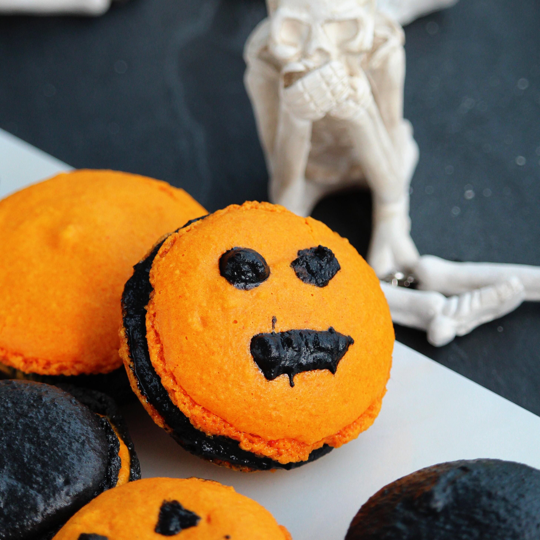 Halloween Macarons Buckwheat Queen