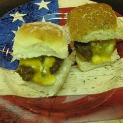 Mini Cheeseburgers Molly