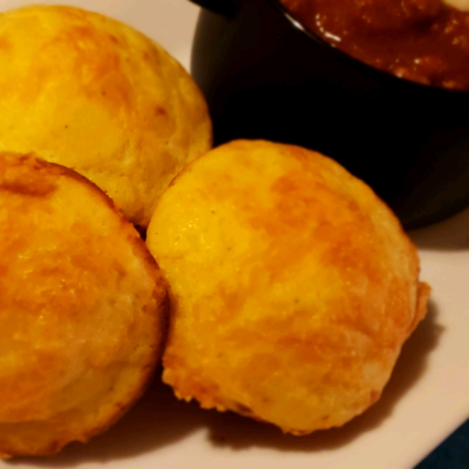 Cornbread Muffins with Cheddar Cheese