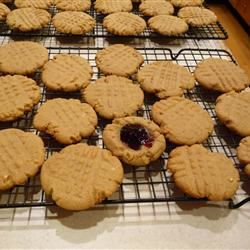 Delicious Peanut Butter Cookies Carole