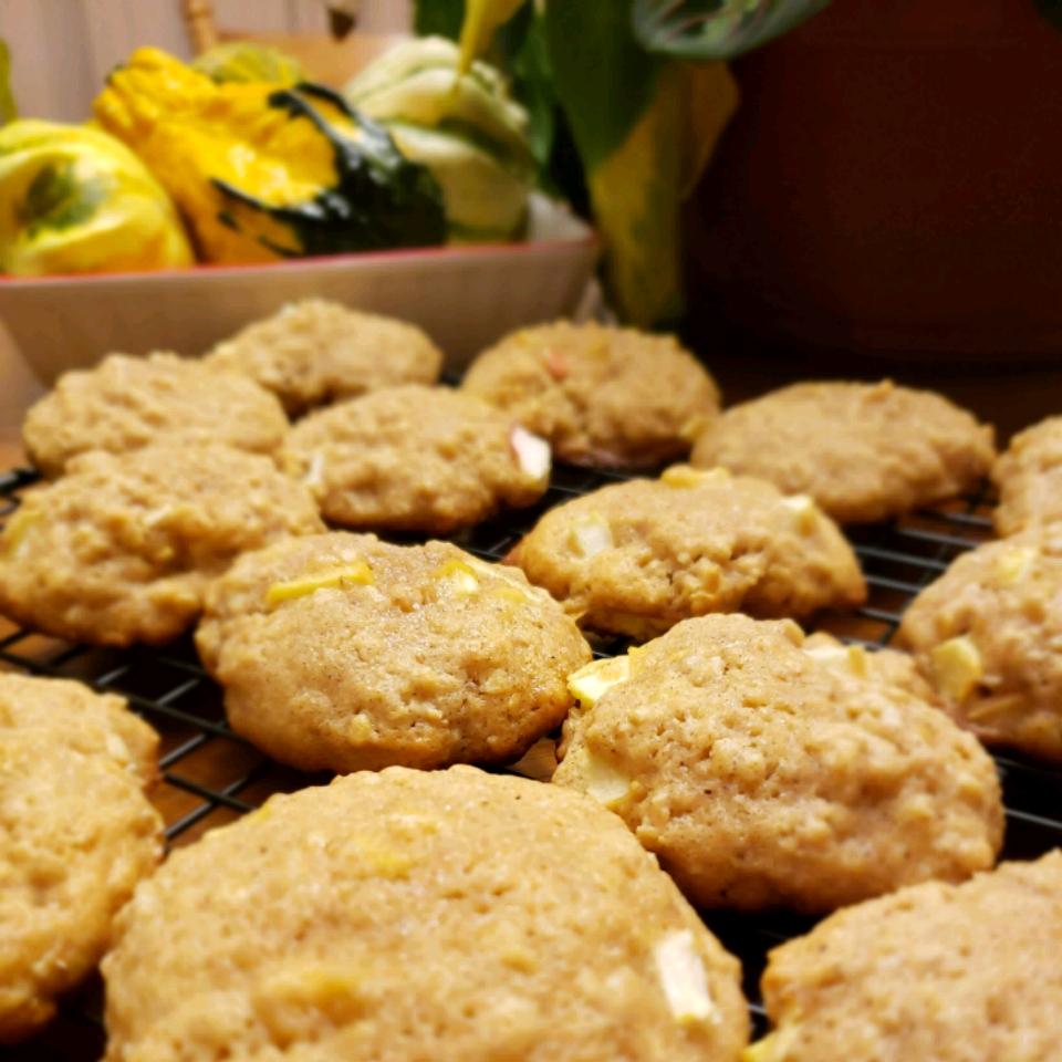 Apple Oatmeal Cookies I