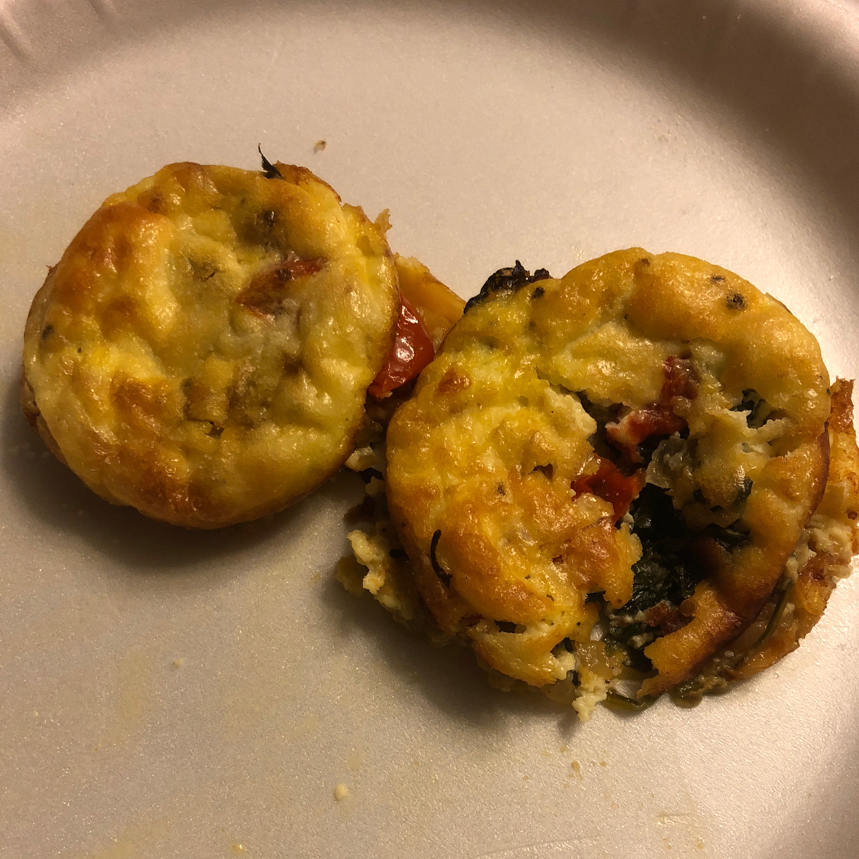 Crustless Spinach, Mushroom, and Tomato Quiche (Keto) Amy Jensen Hilburn