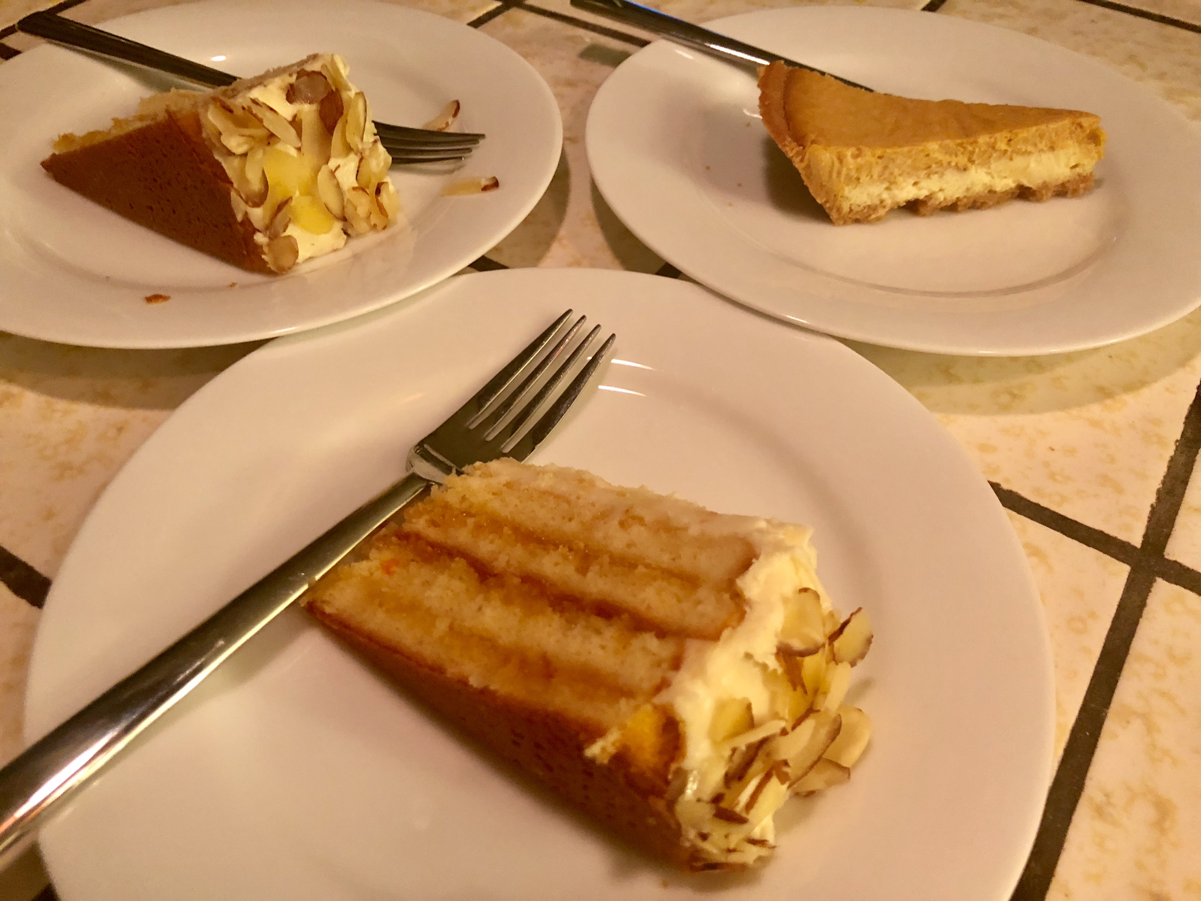 Amaretto Cream Cake Eri Hoshina