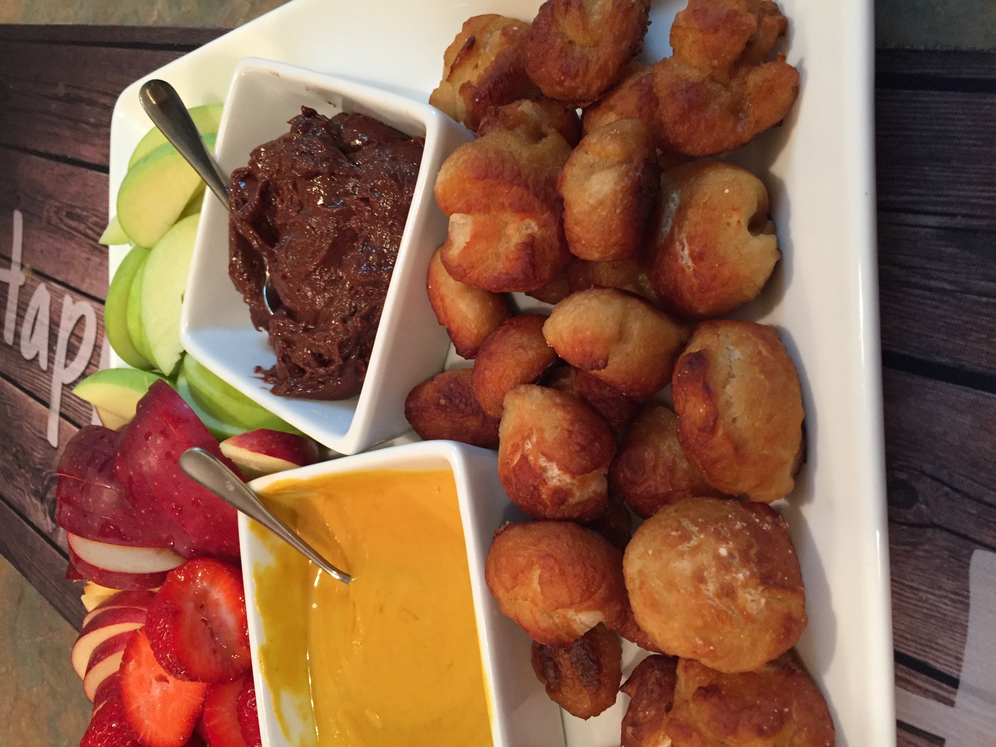 Quick and Easy Pretzel Bites with Nutella® Dipping Sauce tcasa