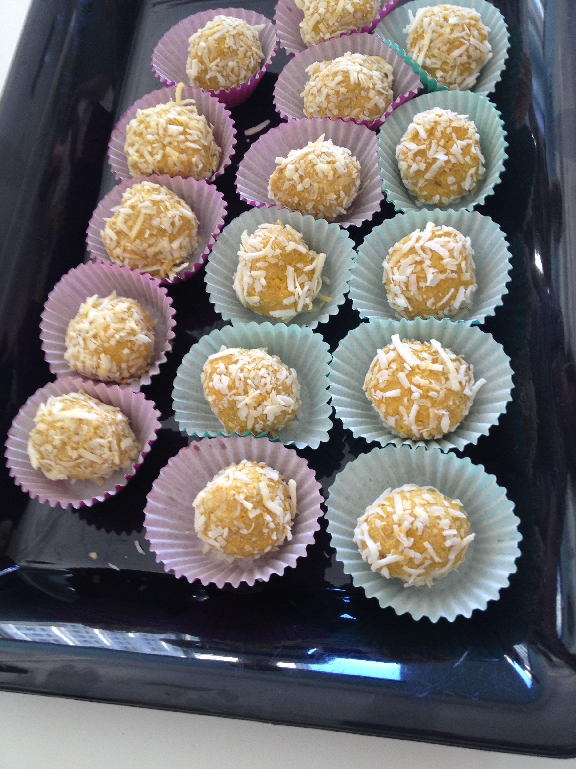 Raw-Vegan Mango Coconut Truffles Rita