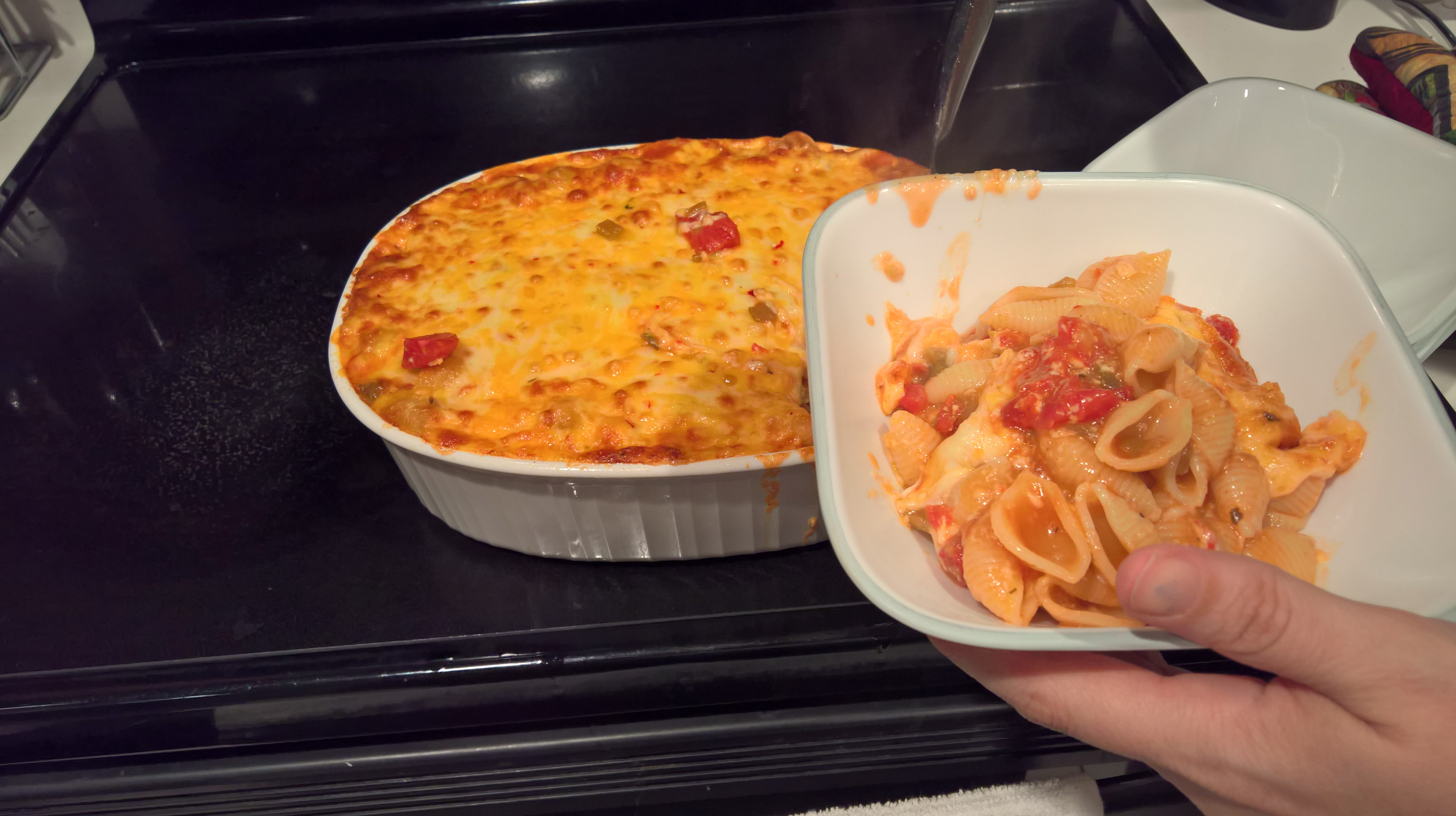 Homemade Spicy Mac and Cheese with Tomatoes