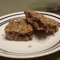 Delicious Raspberry Oatmeal Cookie Bars Erin229