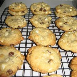 Double Chocolate Chip Macadamia Cookies mkstevens09