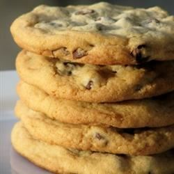 Liz's Astounding Chocolate Chip Cookies mominml