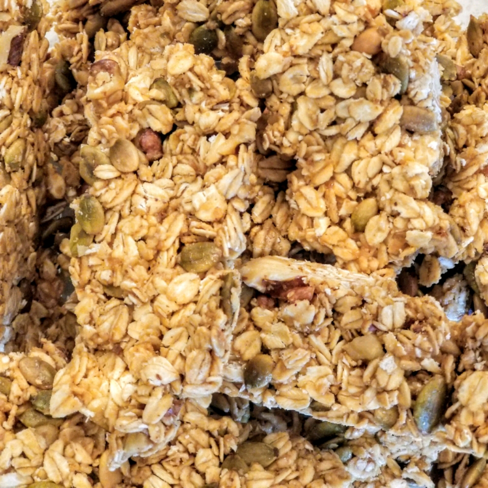 Homemade Granola Bars kinsie