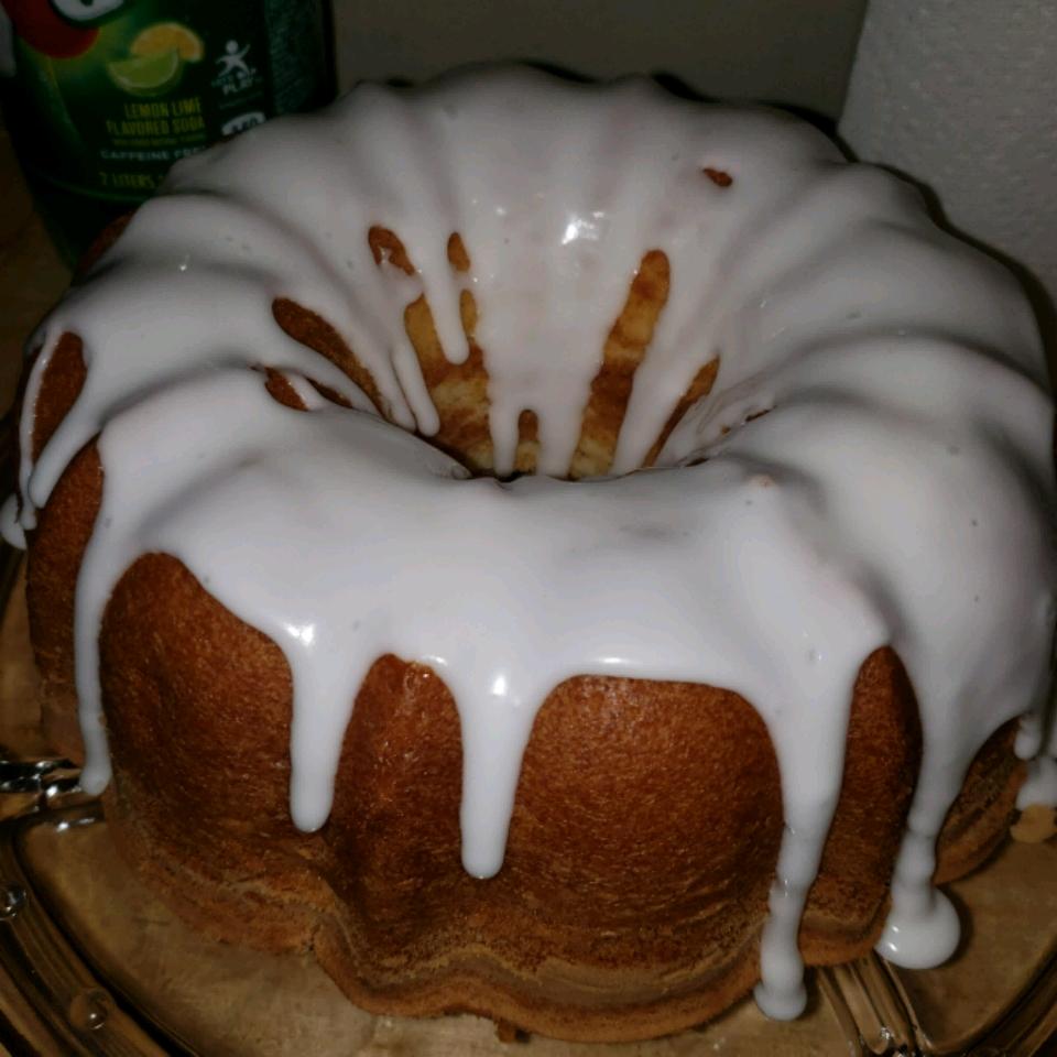 Seven-Up™ Pound Cake
