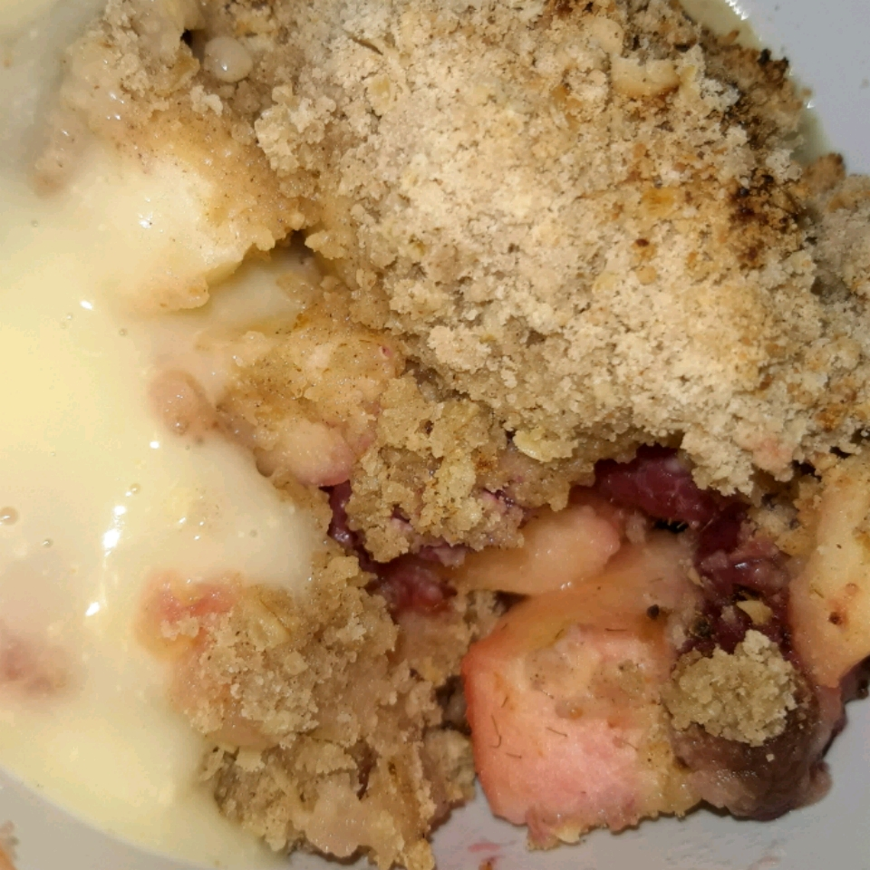 Easy Apple, Pear, and Blackberry Crumble