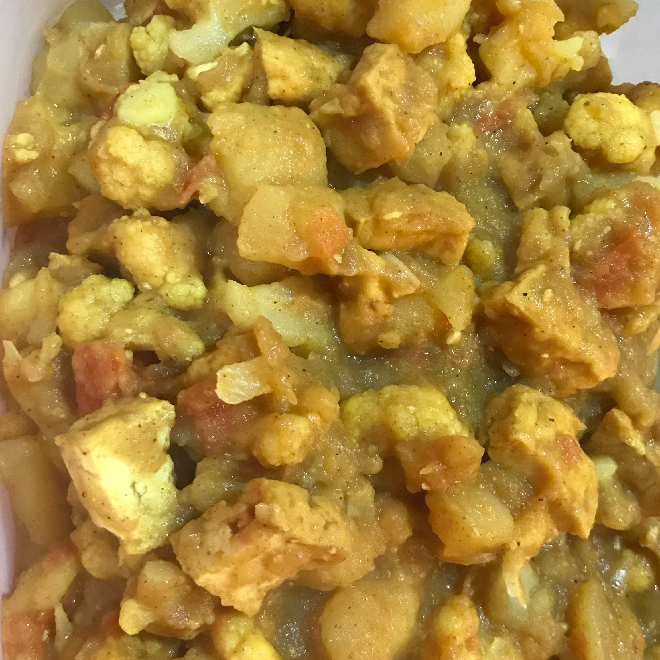 Aloo Gobi Masala (Cauliflower and Potato Curry) Fay Utji