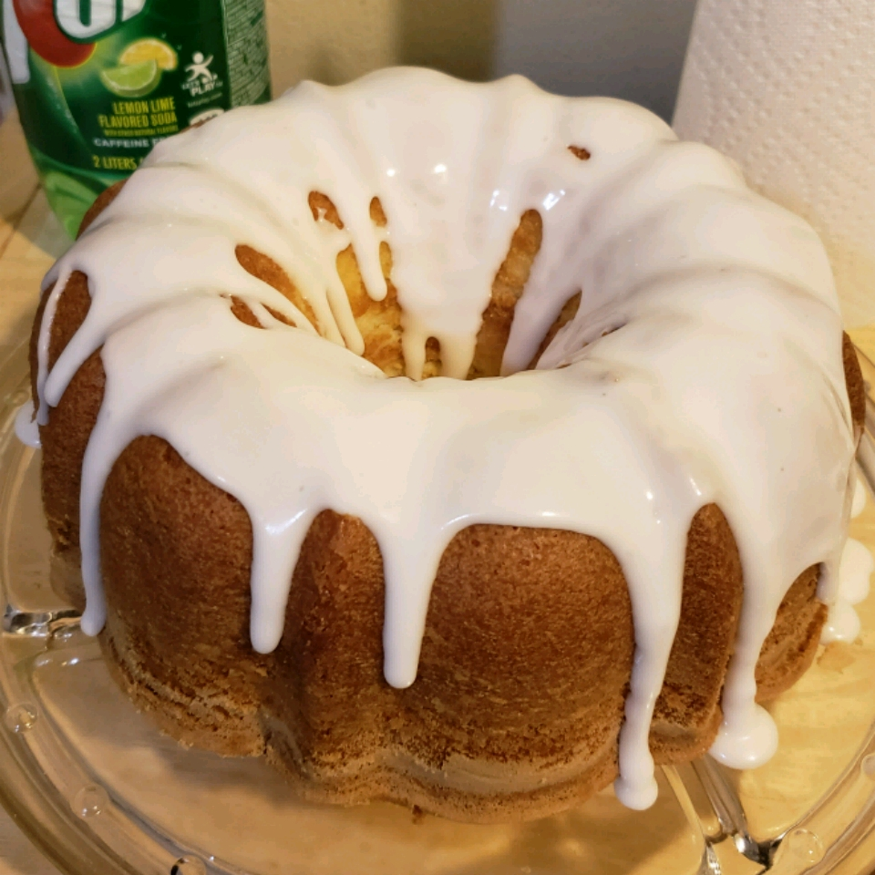 Seven-Up™ Pound Cake Connie Smiley-Lett