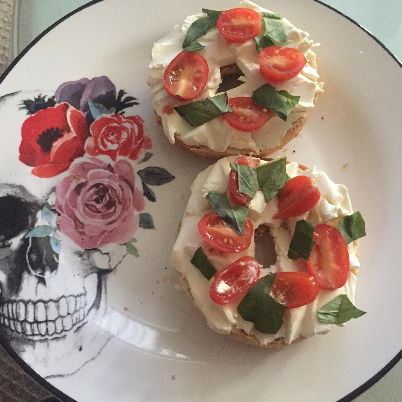 Queenie's Killer Tomato Bagel Sandwich Francisco