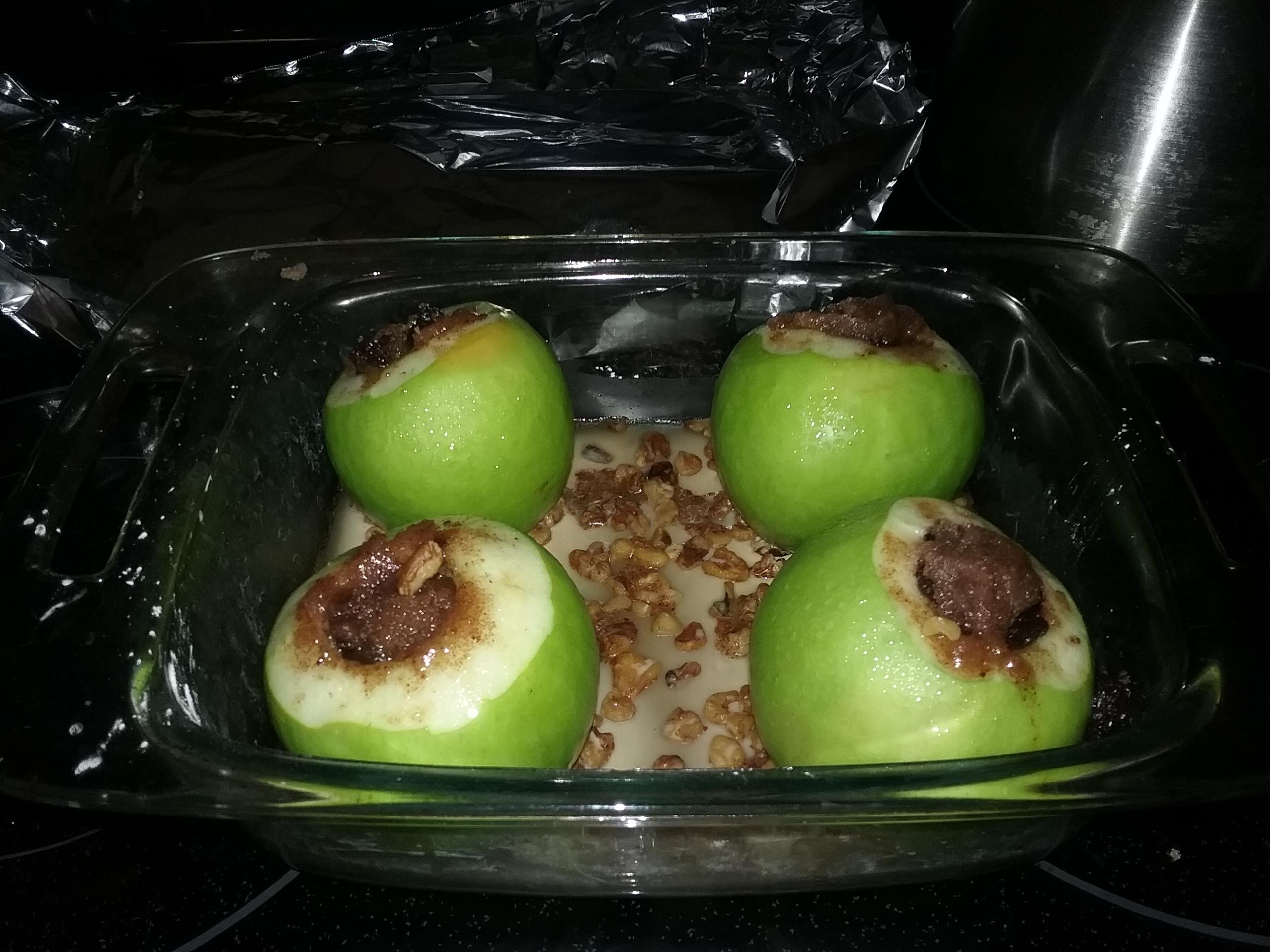 Spiced Pirate Baked Apples mebyrne