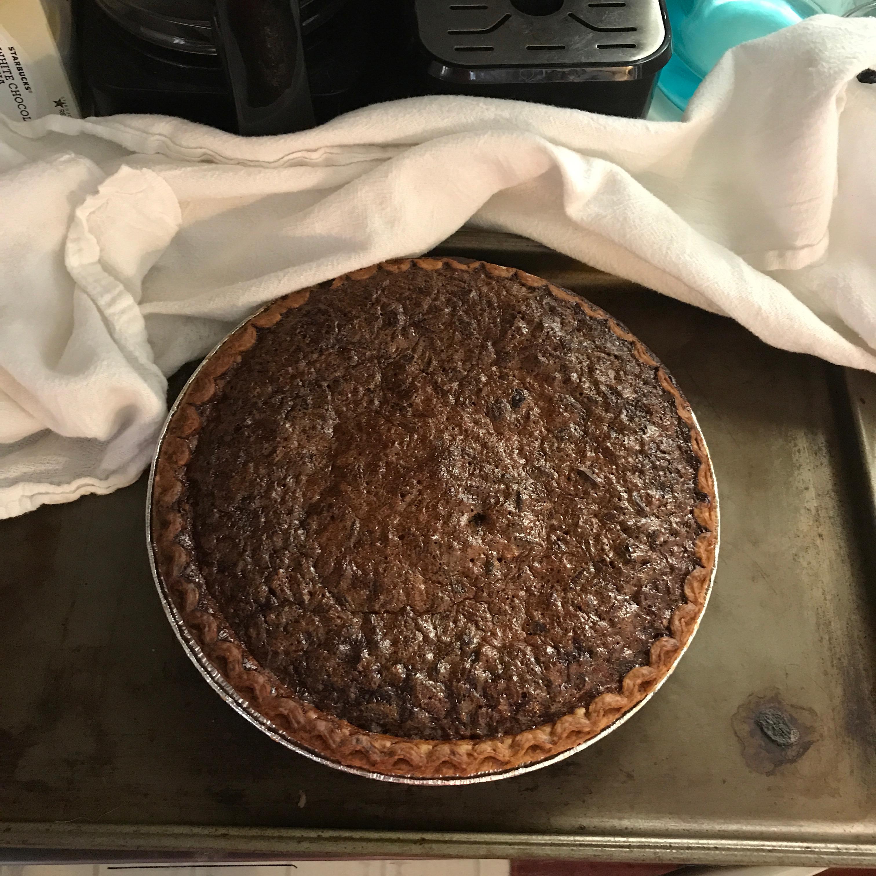 Easy Chocolate Pecan Pie