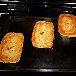 Easy Mini Ale and Meat Pies Bella V.