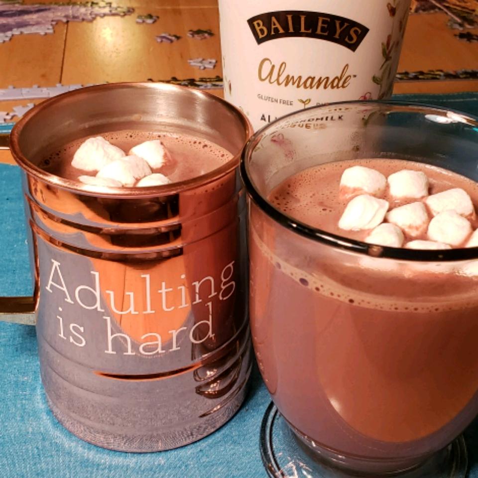 Baileys Almande Hot Cocoa (Dairy Free) With Nutmeg Rae