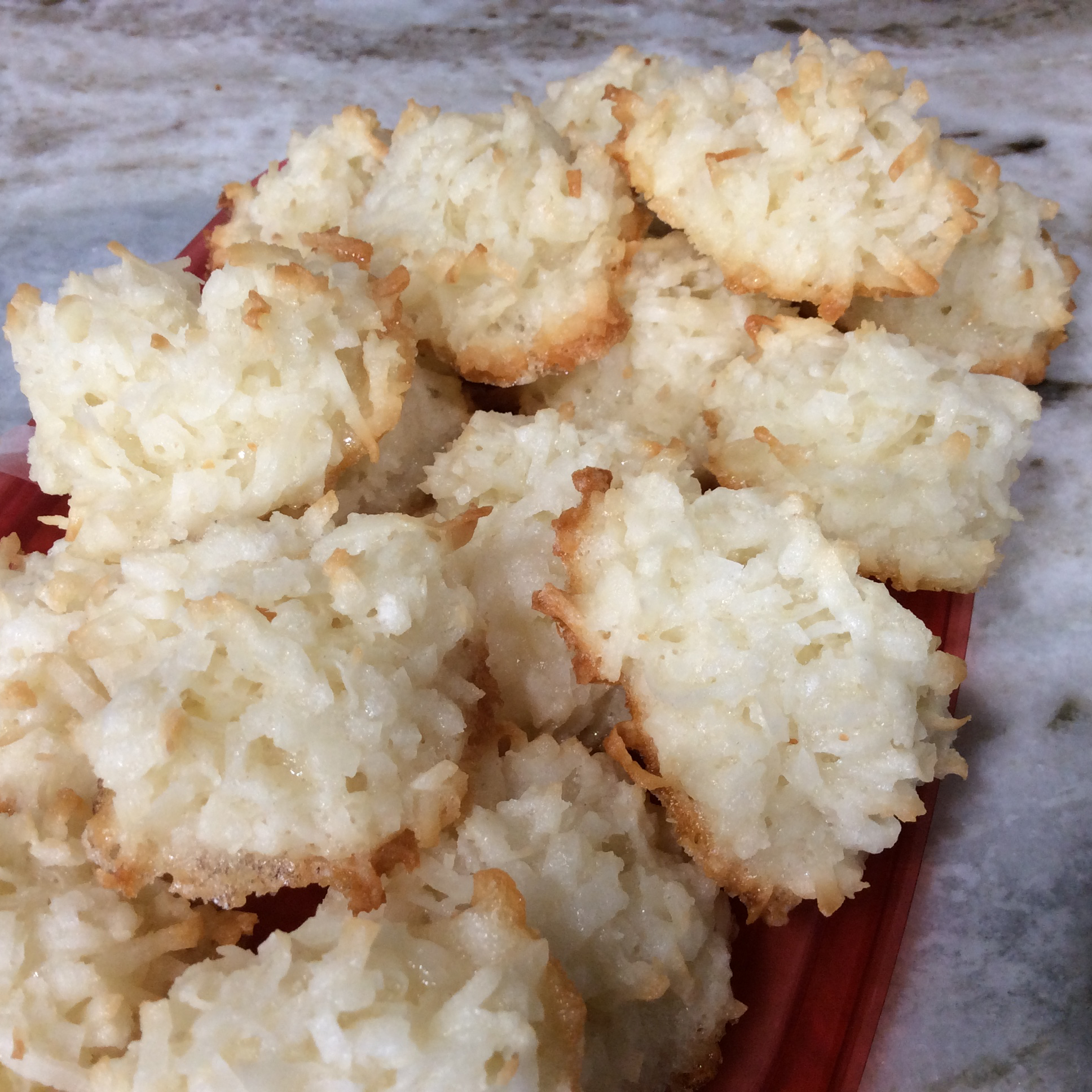 Light and Fluffy Coconut Macaroons Vanessa