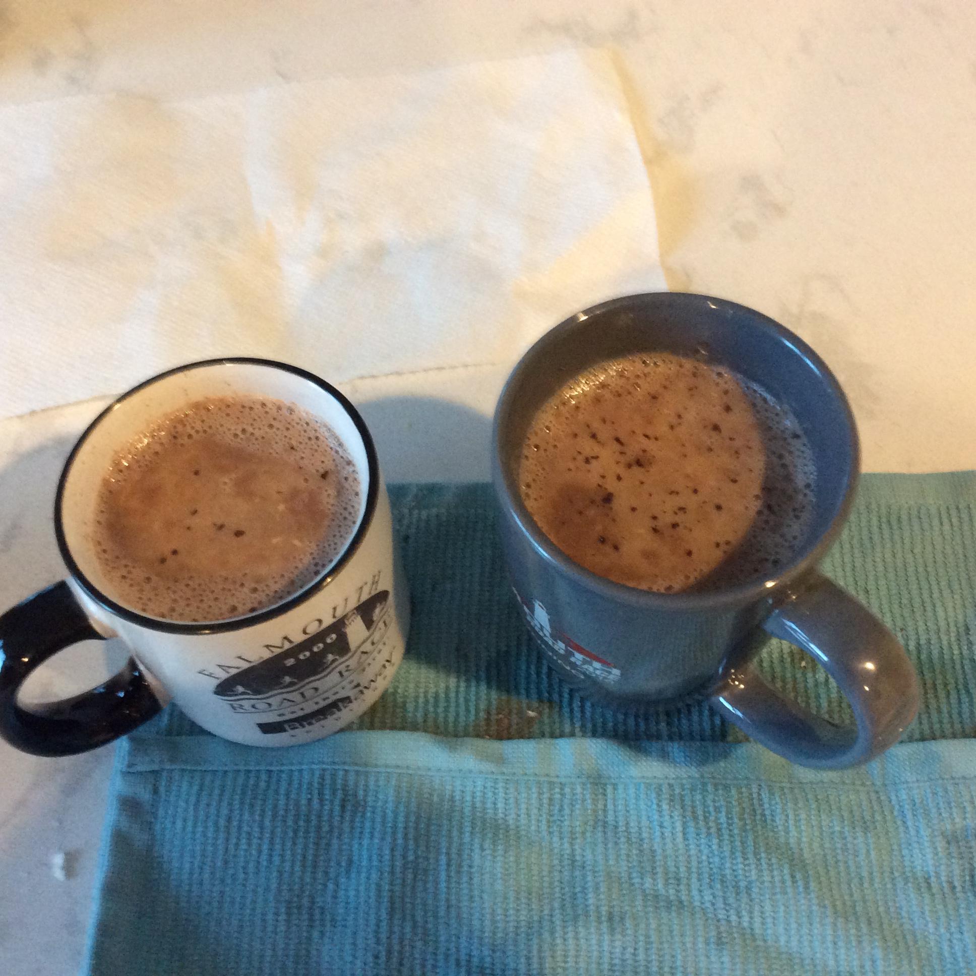 Hot Chocolate Aida Yosnita Midjan Huft