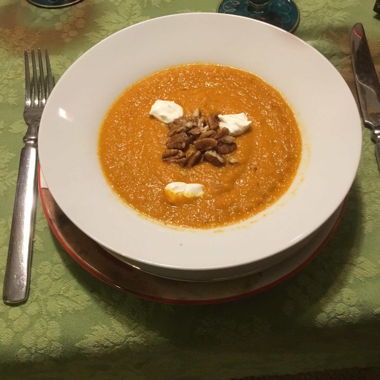 Vegan Carrot Curry Soup