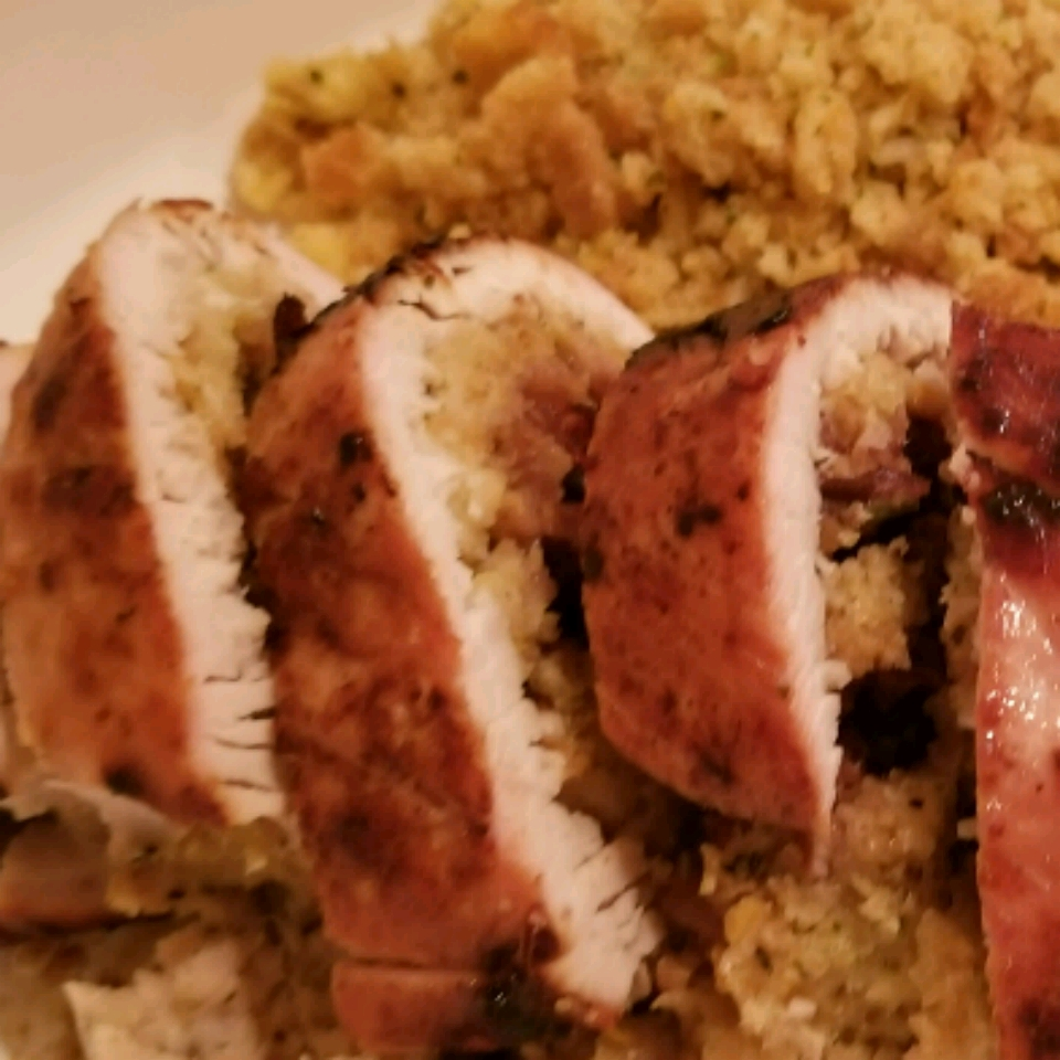 Cranberry Stuffed Turkey Breasts mariaportes