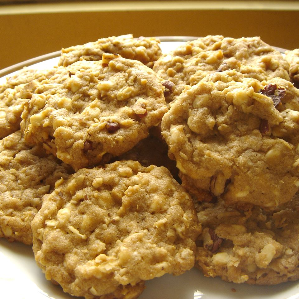White Chocolate Chip Oatmeal Cookies julie