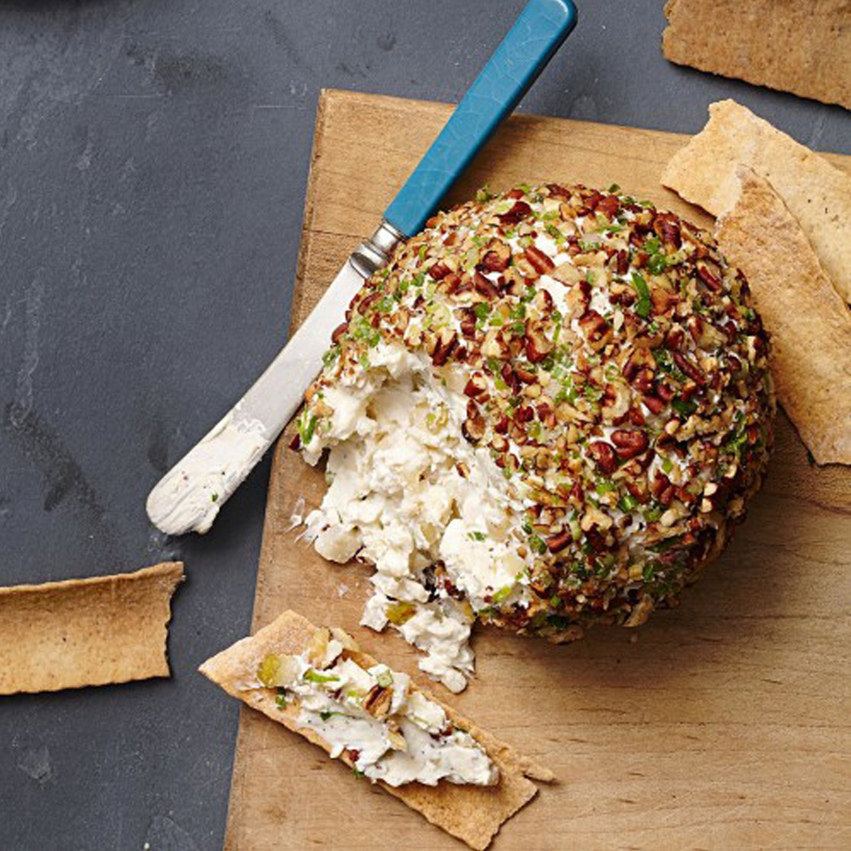 Pear-Pecan Cheese Ball Reynolds Kitchens(R)