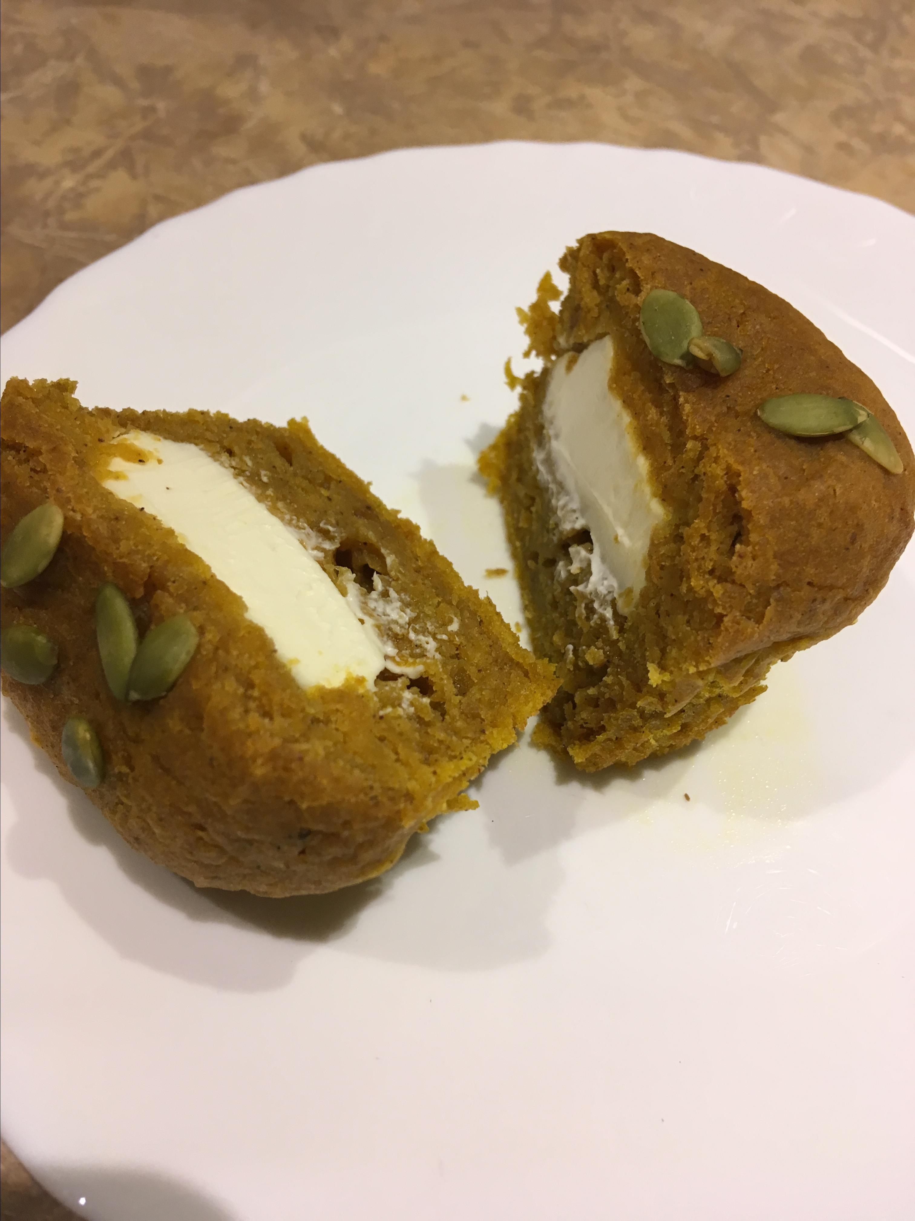 Cream Cheese Filled Pumpkin Muffins Carla_P