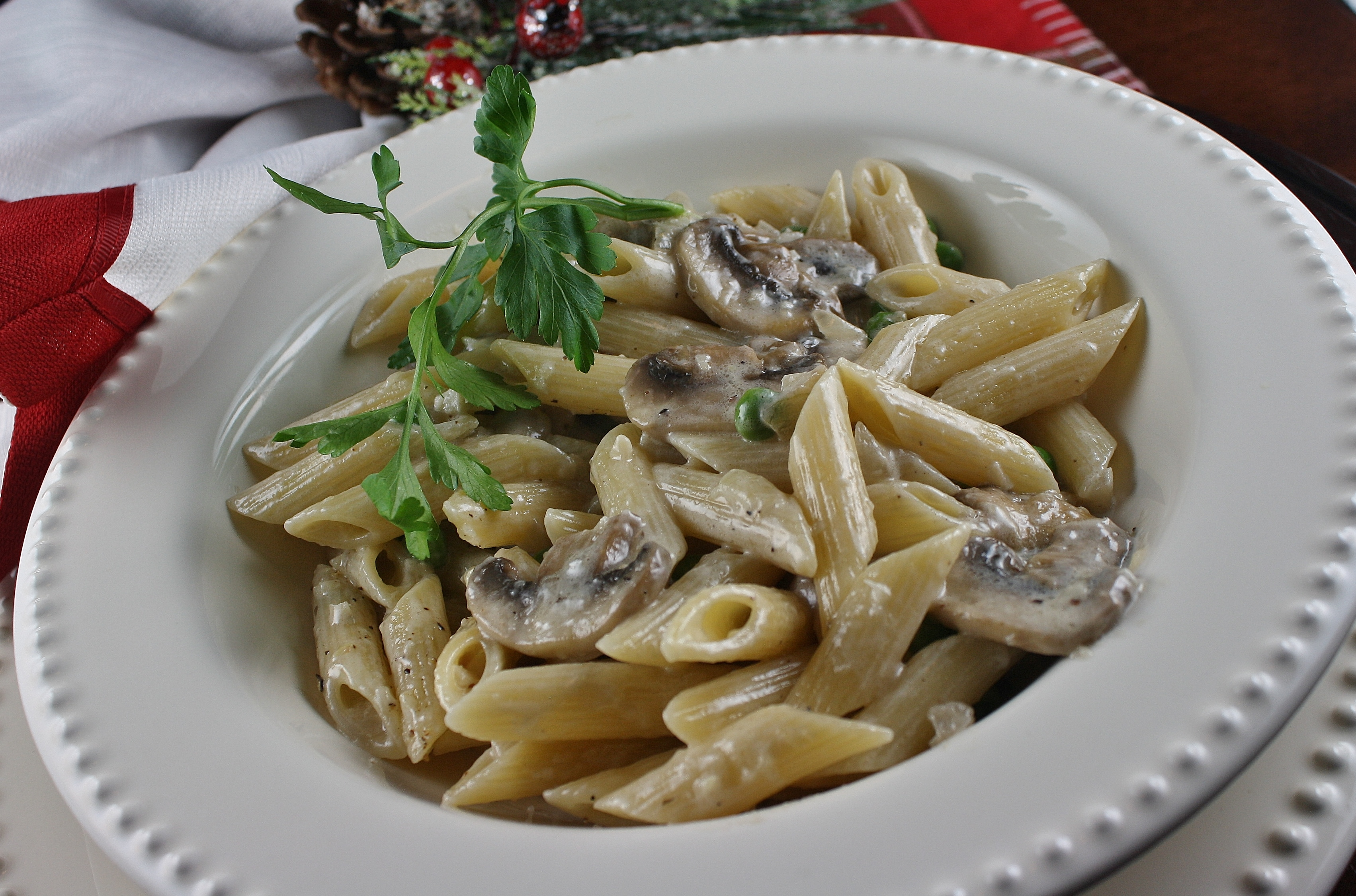 Gluten Free Penne with Mushrooms and Sweet Peas