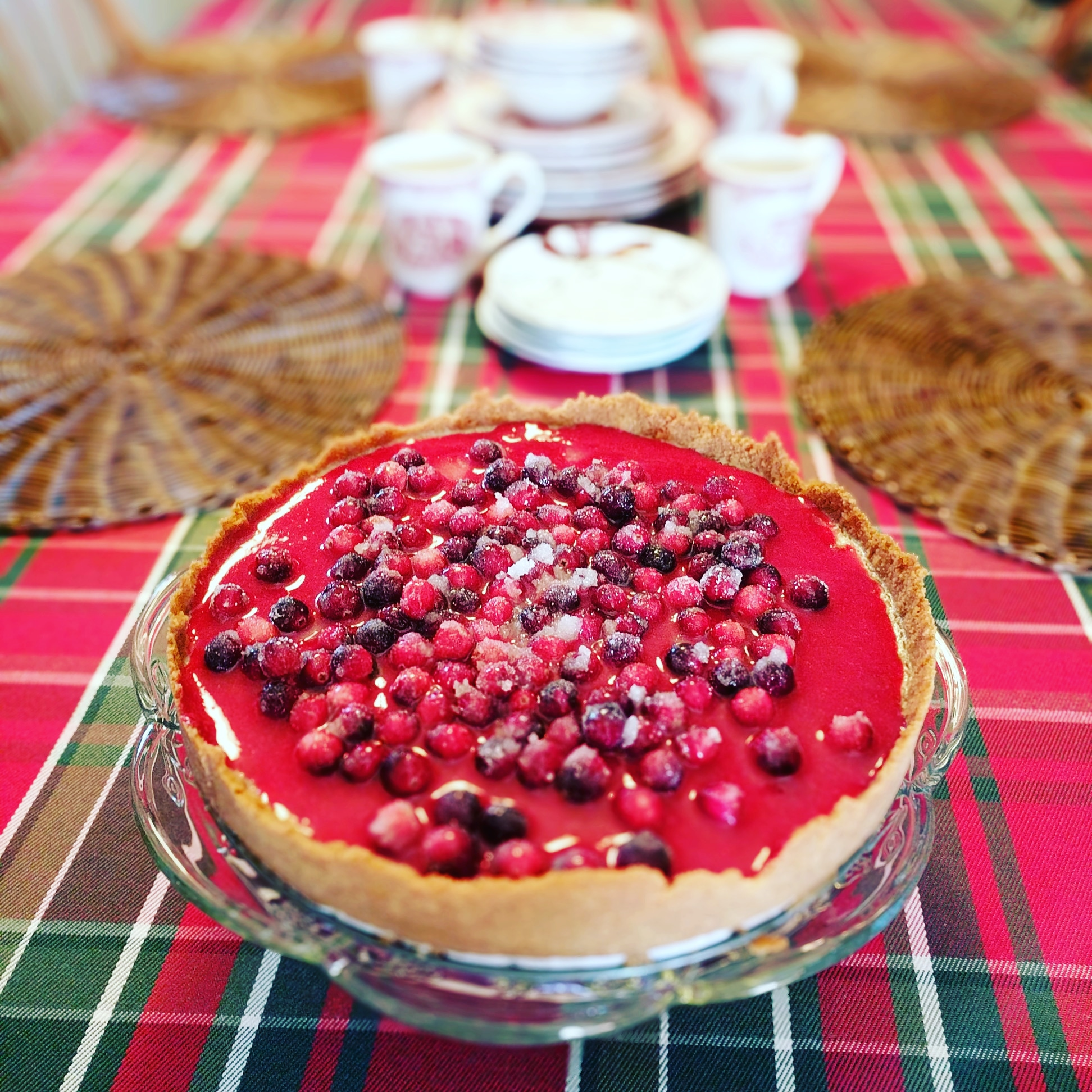 Cheesecake with Cranberry Glaze and Sugared Cranberries WYTROOP