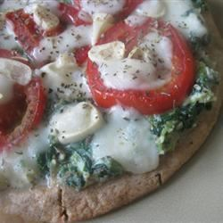 Red, White, and Green Pizza mommyluvs2cook