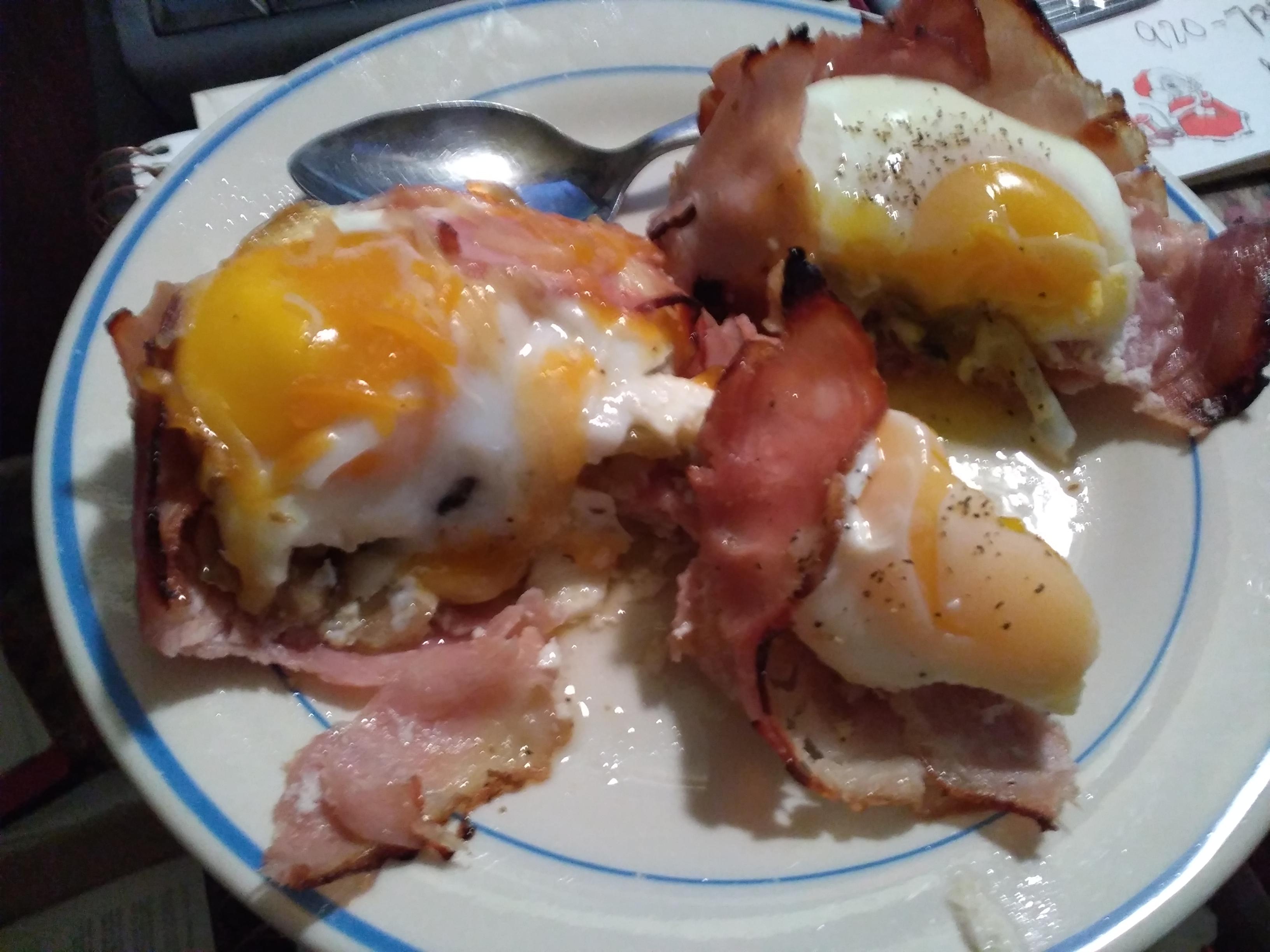 Breakfast Ham and Egg Cups kevin vander logt