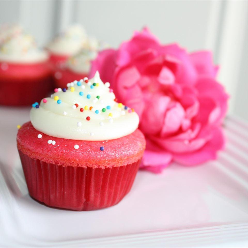 Sour Cream Cupcakes footballgrl16