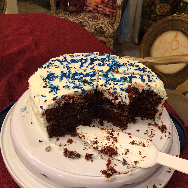 Mom's Signature Red Velvet Cake Ileana Sainz