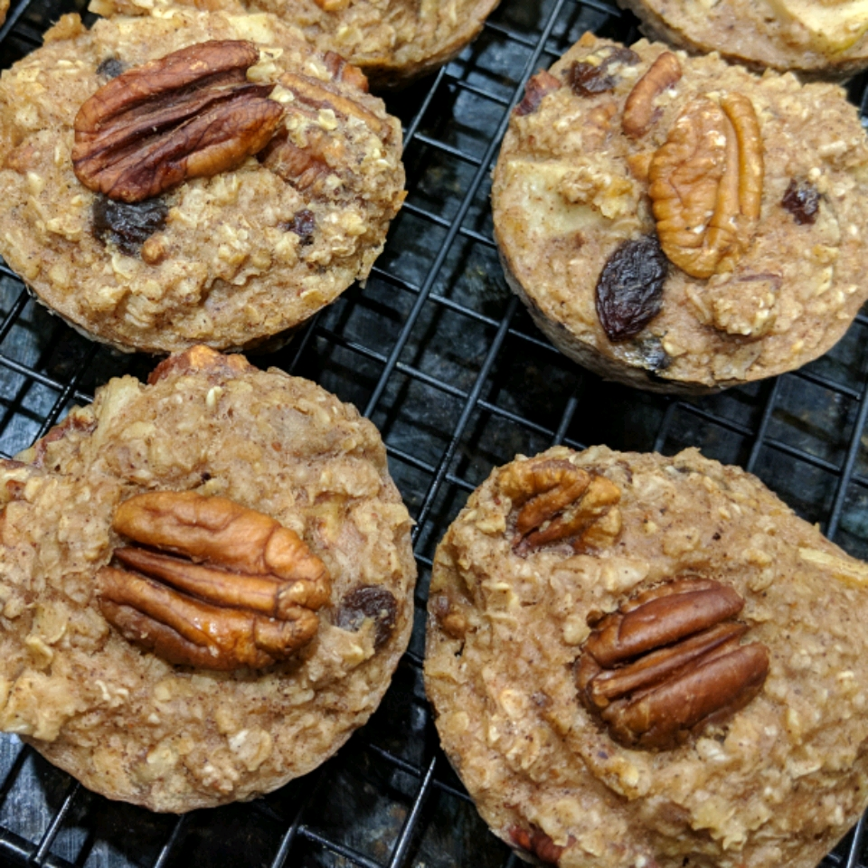 Healthy Apple Spice Baked Oatmeal Claire