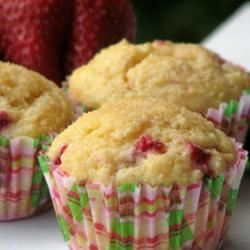 Berry Cornmeal Muffins mominml