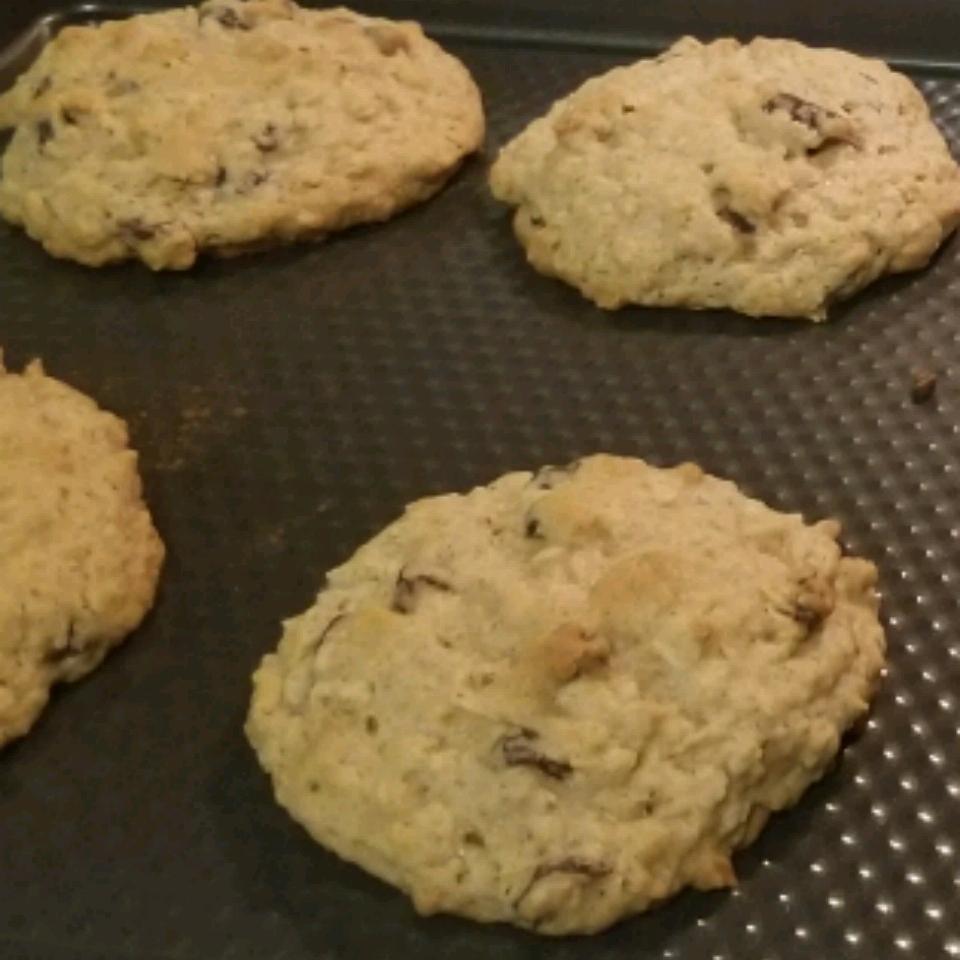 Beth's Spicy Oatmeal Raisin Cookies coop211