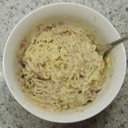 Dorm Room Cheesy Tuna and Noodles kimbernic