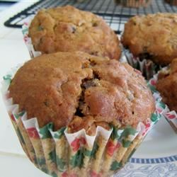 Sugarless Fruit Nut Muffins tantuc