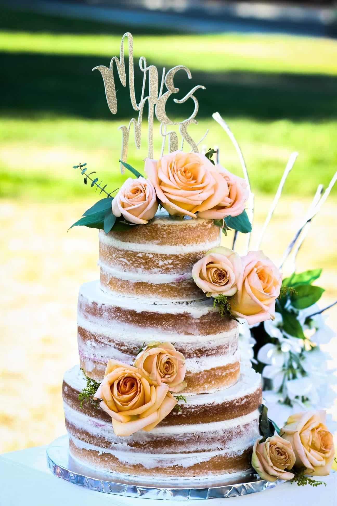 White Almond Wedding Cake CUPYCAKESMURF