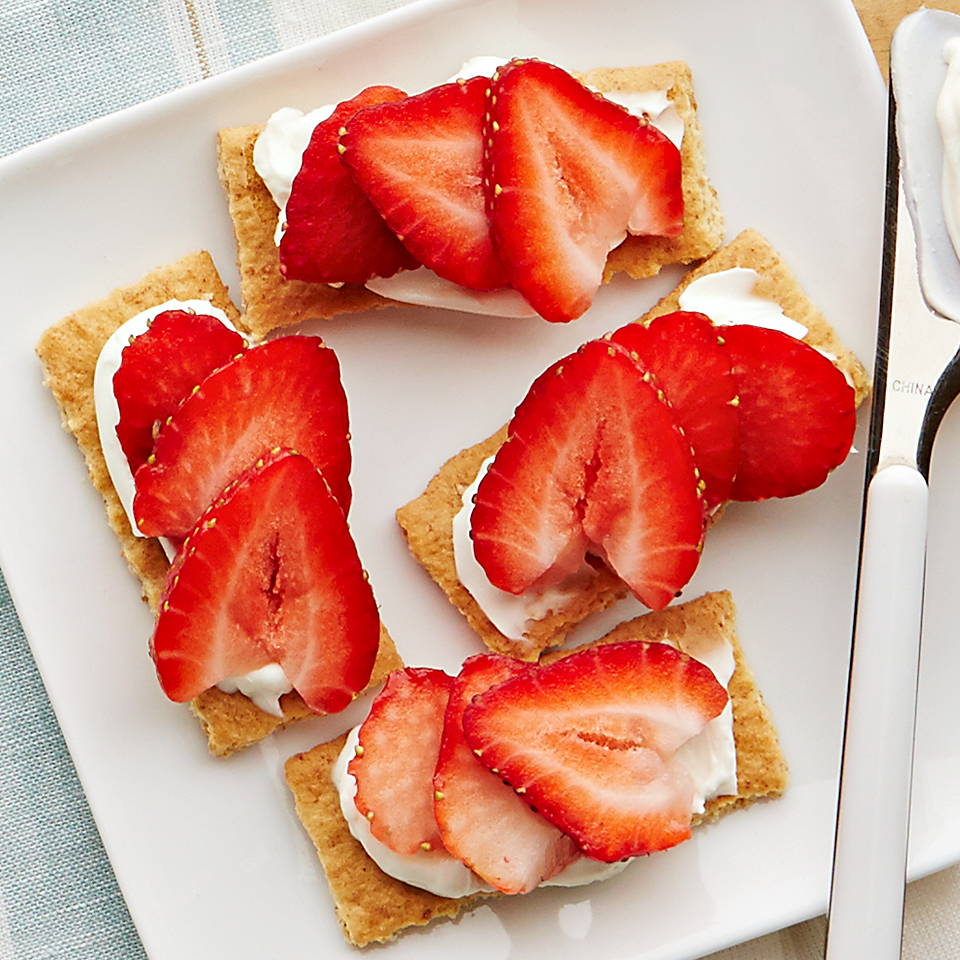 Here's a quick and easy way to get your children to eat more fruit! Stack strawberry slices on graham crackers spread with cream cheese for a tasty 5-minute snack your kids will devour. Source: Diabetic Living Magazine