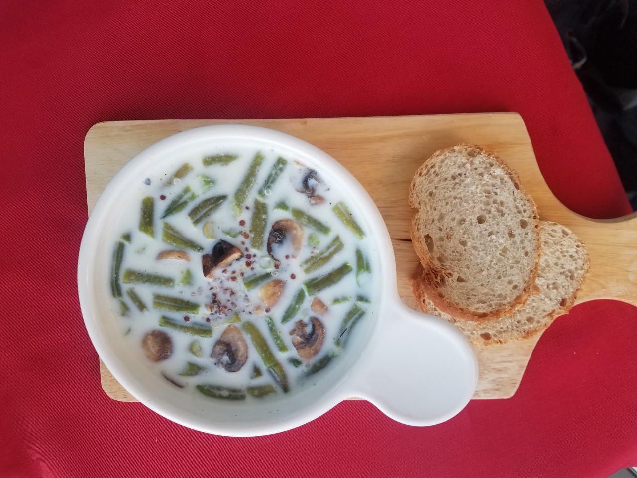 Creamy Quinoa and Vegetable Soup PensyGirl