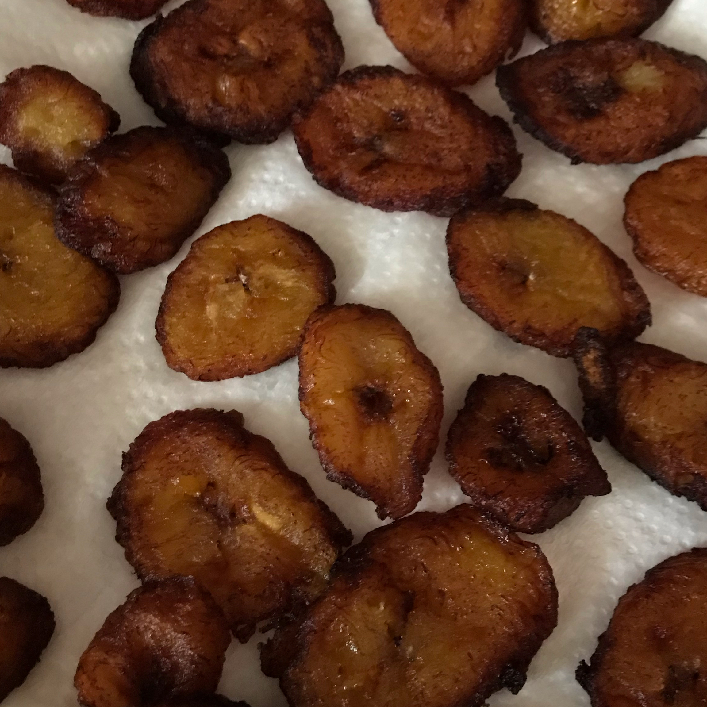 Tostones (Fried Plantains) JaiC
