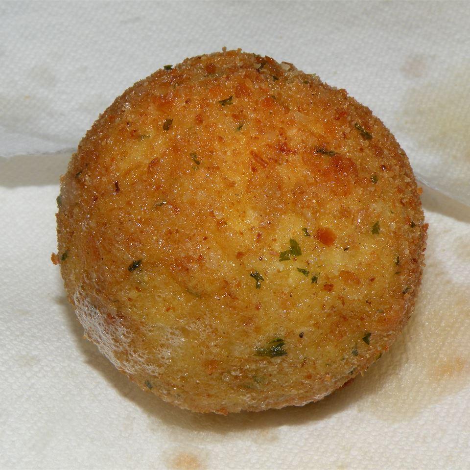 Papas Rellenas (Fried Stuffed Potatoes) alu1977