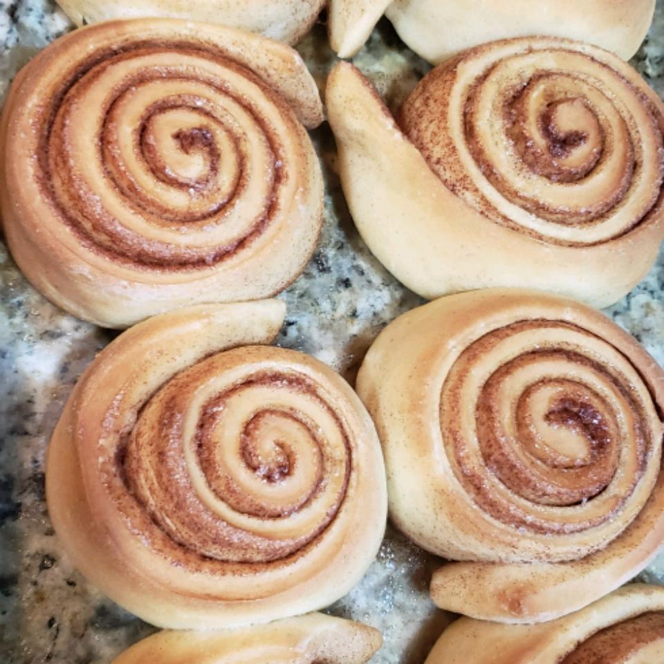 Mom's Good Cinnamon Rolls