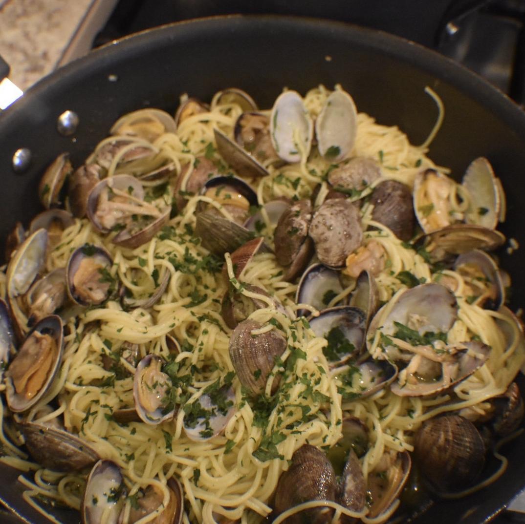 Spaghetti and Clams James DuBose
