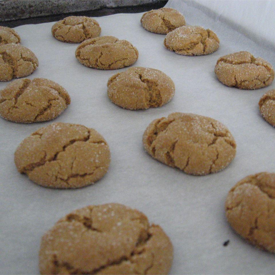 Molasses Peanut Butter Crinkles